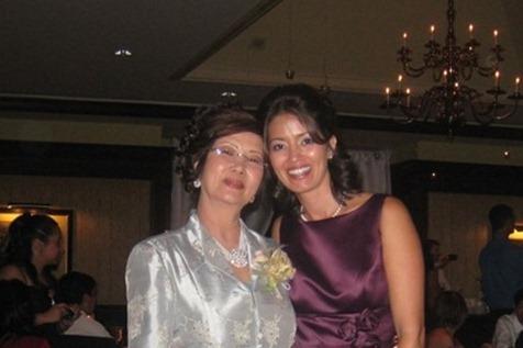 2010 09 - wedding mom and me closer