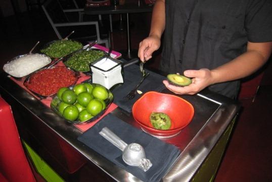 2011 07 - Vegas guac being made
