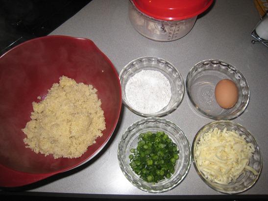 Cheesy Quinoa Cakes Ingredients